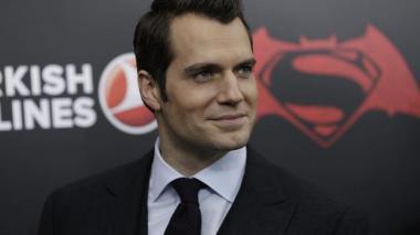 Henry Cavill se plantea volver a ser Superman para Warner Bros