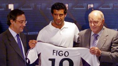 """Figo y su paso de Barçelona a Madrid hace 20 años: """"Ahora sería más difícil"""""""