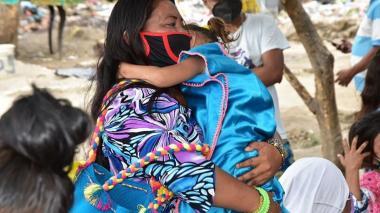 Ofrecen ruta de atención a seis familias Wayúu en Santa Marta