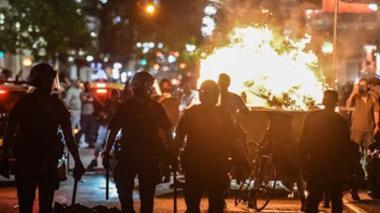 Sigue la violencia en las calles de EEUU y Trump culpa a la extrema izquierda