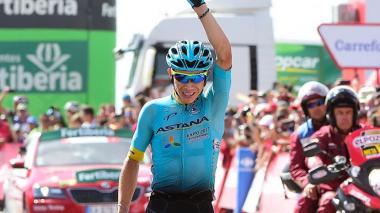 Miguel Ángel 'Supermán' López ganando una carrera.