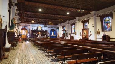 Gobierno estudia plan piloto para abrir iglesias en el país