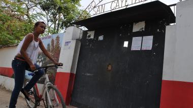 Algunos estudiantes en corregimientos como San Cayetano, en Sabanalarga, Atlántico en 2014 recibieron bicicletas para no desertar y continuar sus estudios de bachillerato.