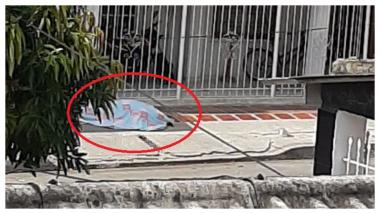 Mujer se desploma y muere en vía pública