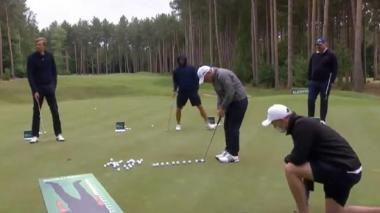 El golfista irlandés Paul McGinley estableciendo un nuevo récord mundial.