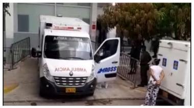 En video | Trasladan a una clínica a recluso de la URI positivo para Covid-19