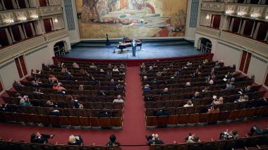La música suena de nuevo en la Ópera de Viena, ante sólo cien espectadores
