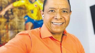 Iván René Valenciano espera seguir mucho tiempo en el mundo de los medios. En su rol como comentarista futbolero en televisión y radio ya tiene varios años.