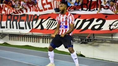 Miguel Borja, delantero de Junior, celebrando un gol en uno de los partidos antes de la pandemia.