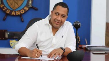 Alcalde de Riohacha durante la firma del convenio con Fontur.