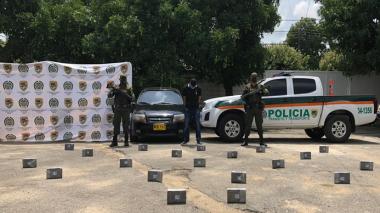 Cae con 20 kilos de cocaína escondidos en las puertas de un carro en Cesar