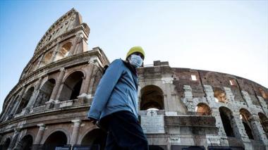 Italia permitirá la reapertura de cines el lunes pero pospone las discotecas