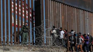 EEUU advierte sobre riesgos de migrar ilegalmente con expansión del COVID-19