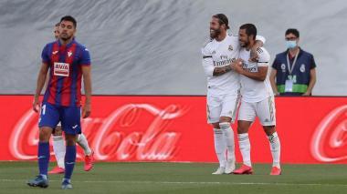 Con James en la banca, Real Madrid vence 3-1 al Eibar
