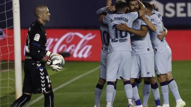 Jugadores del Atlético de Madrid celebrando uno de los goles de la victoria ante Osasuna.