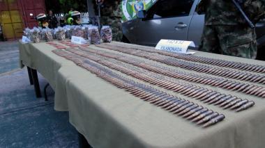 Hallan más de 6.000 municiones del ELN en un carro abandonado en Valledupar