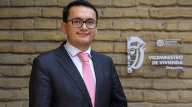 Viceministro de Vivienda Carlos Ruiz.