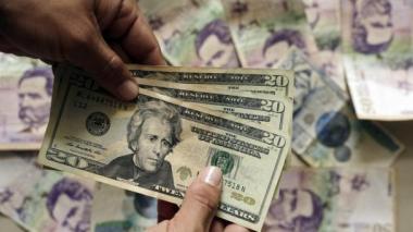 Cotización del dólar subió este jueves hasta $3.760