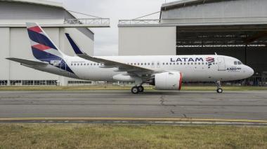 Latam Colombia suspende temporalmente a sus empleados