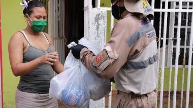 Con apoyo de la Armada, más de 5.600 ayudas humanitarias en Cartagena