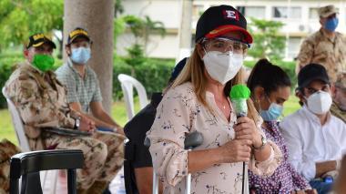La gobernadora Elsa Noguera luego de la presentación del escuadrón anti-COVID-19.