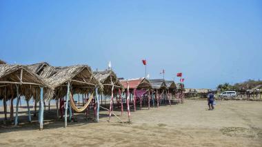 Los caseteros esperan la reapertura de las playas.