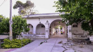 Cementerios se preparan para almacenar cuerpos de fallecidos por COVID-19