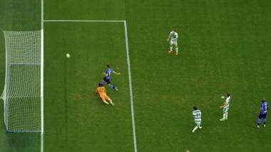 En video   Un despilfarro de gol increíble: ¡era más difícil botarlo!