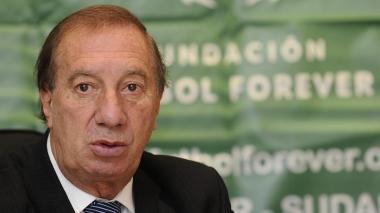 Carlos Bilardo, ex entrenador argentino de 82 años de edad.