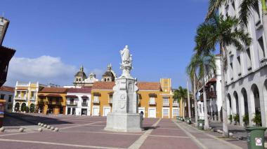 Una de las tradicionales zonas del Centro Histórico de Cartagena luce vacía.