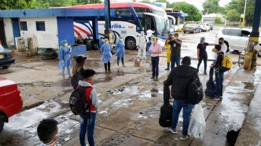 A través de corredor humanitario 15 estudiantes regresaron a La Guajira