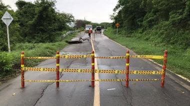 Autorizan cierre de la vía Juan de Acosta-Piojó por socavación