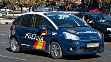 Patrulla de la Policía española.