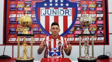 Fabián Ángel posando como jugador de Junior a comienzos de 2019.