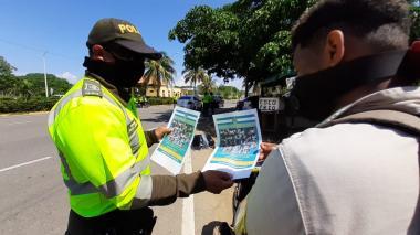 Autoridades buscan a 33 personas vinculadas con el saqueo a furgón de pescado