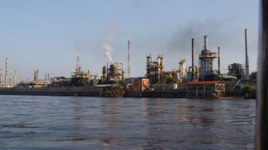 Ecopetrol destinará $2.312 millones para navegabilidad del río Magdalena