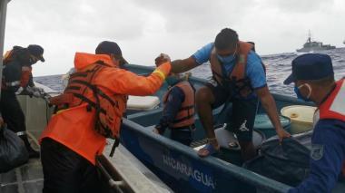 Rescatan a dos pescadores sanandresanos que quedaron a la deriva en el mar