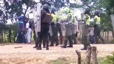 La comunidad enfrentó a la Policía durante protestas en San Zenón, Magdalena