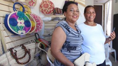 Comerciantes de Villas de San Pablo estrenan app de economía colaborativa