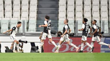 Juventus, con Cuadrado como titular, supera a la Lazio y acaricia el título