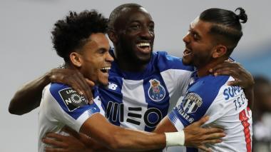 Luis Díaz, Moussa Marega y 'Tecatico' Corona celebrando el gol del guajiro, que abrió la goleada a favor del Porto.