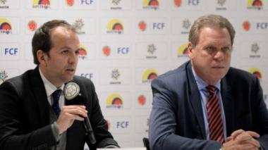 El Ministro del Deportes, Ernesto Lucena, junto al presidente de la FCF, Ramón Jesurun.