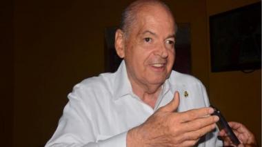 "Raimundo Angulo ""sigue estable"", dice su hija"