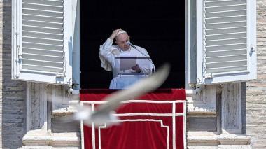 El papa anima a los jóvenes a prestar atención a los ancianos en la pandemia