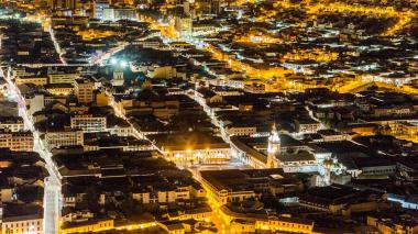 Vista aérea de la ciudad de Quito en Ecuador.