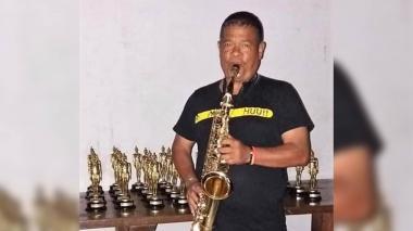 Clarinetista Luchito González está hospitalizado en Clínica del Prado