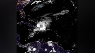Isaías se acerca a la isla de Andros, en Bahamas, con vientos de 140 km/h