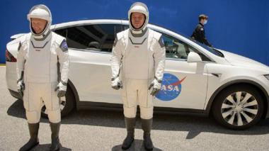 En video | Space X aterrizó al completar con éxito histórica misión espacial