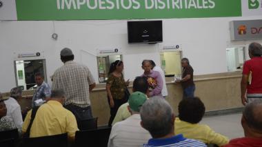 Distrito anuncia descuentos en pagos de impuestos, contribuciones y multas