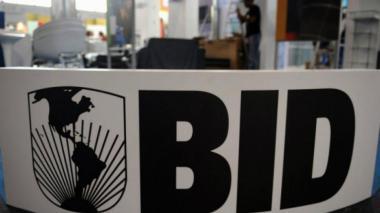 Personalidades de Latinoamérica piden postergar elecciones en el BID
